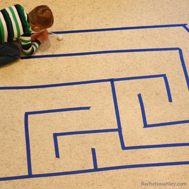 10 jogos gigantes para fazer com as crianças - labirinto