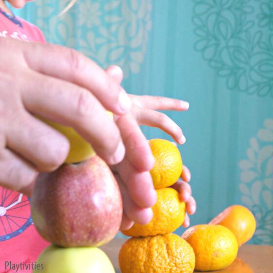 Jogos em familia - pilha de frutas