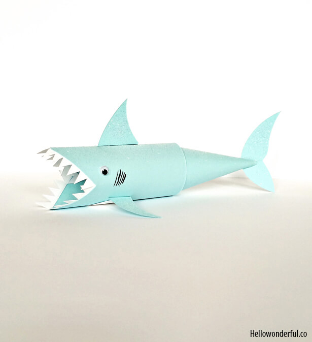 Mais ideias criativas com rolo de papel higiênico_shark-paper-tube-craft