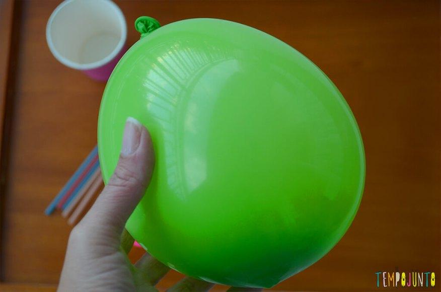 Balão copo descartavel - bexiga cheia