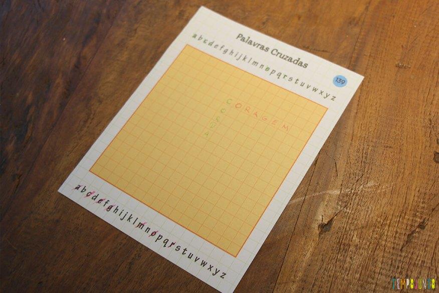 Um jogo de palavras cruzadas diferente - letras eliminadas