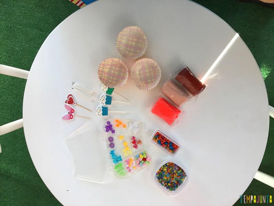 Como fazer uma fábrica de cupcake de massinha - materiais