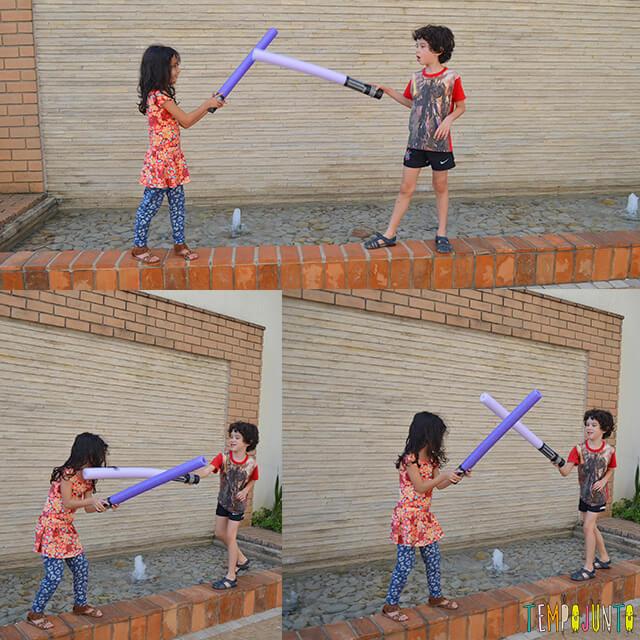 Fantasia na brincadeira de capa e espada - meninos brincando