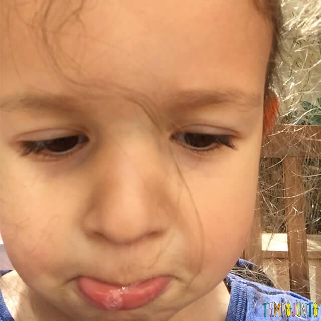 Como ensinar as crianças a controlar as emoções - cara de triste