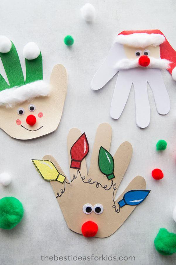 cartões de natal usando as mãos como molde