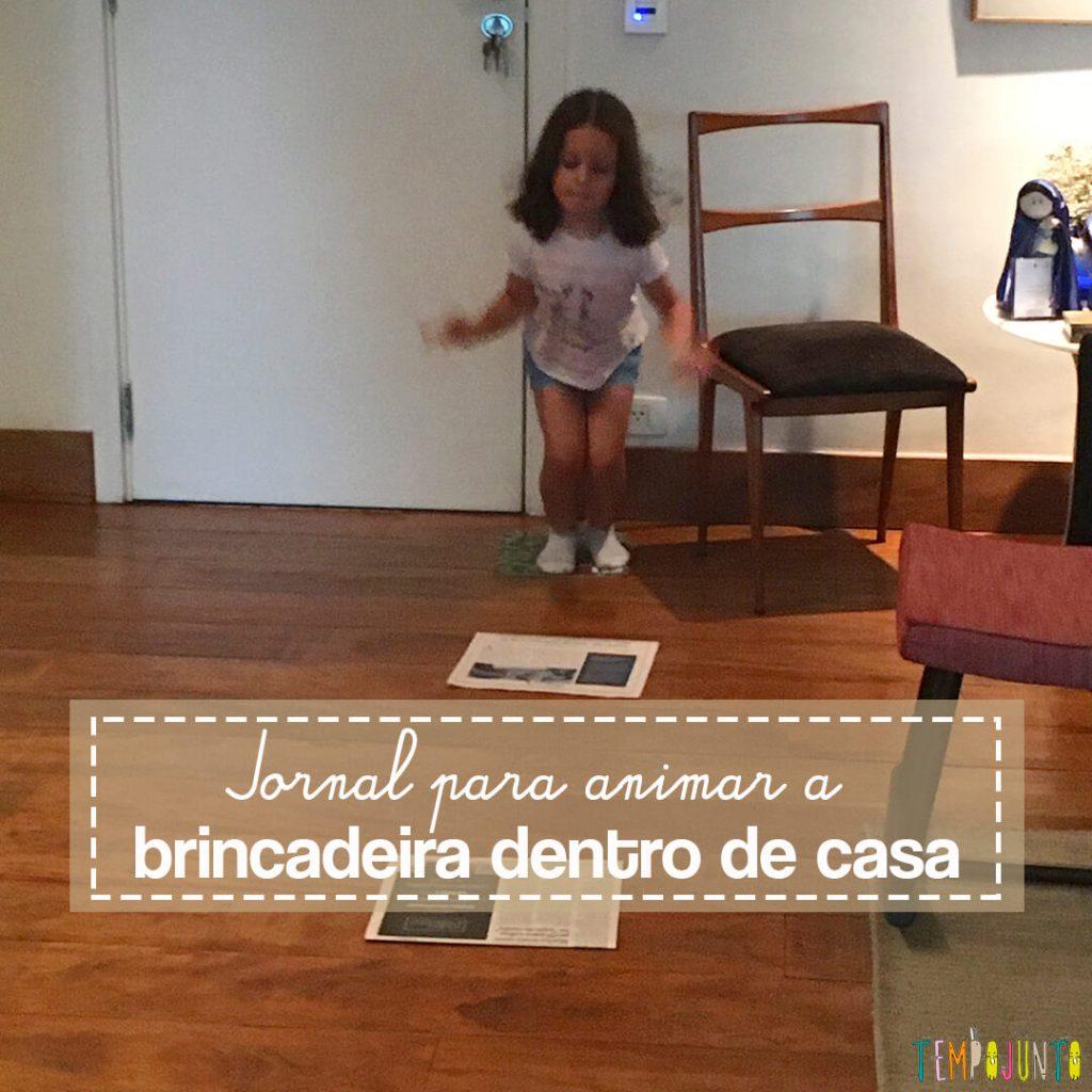 Brincar dentro de casa com crianças agitadas