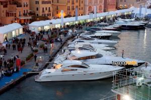 yacht med festival (Medium)