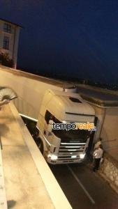 camion incastrato minturno 4