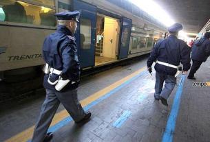 polizia treno stazione