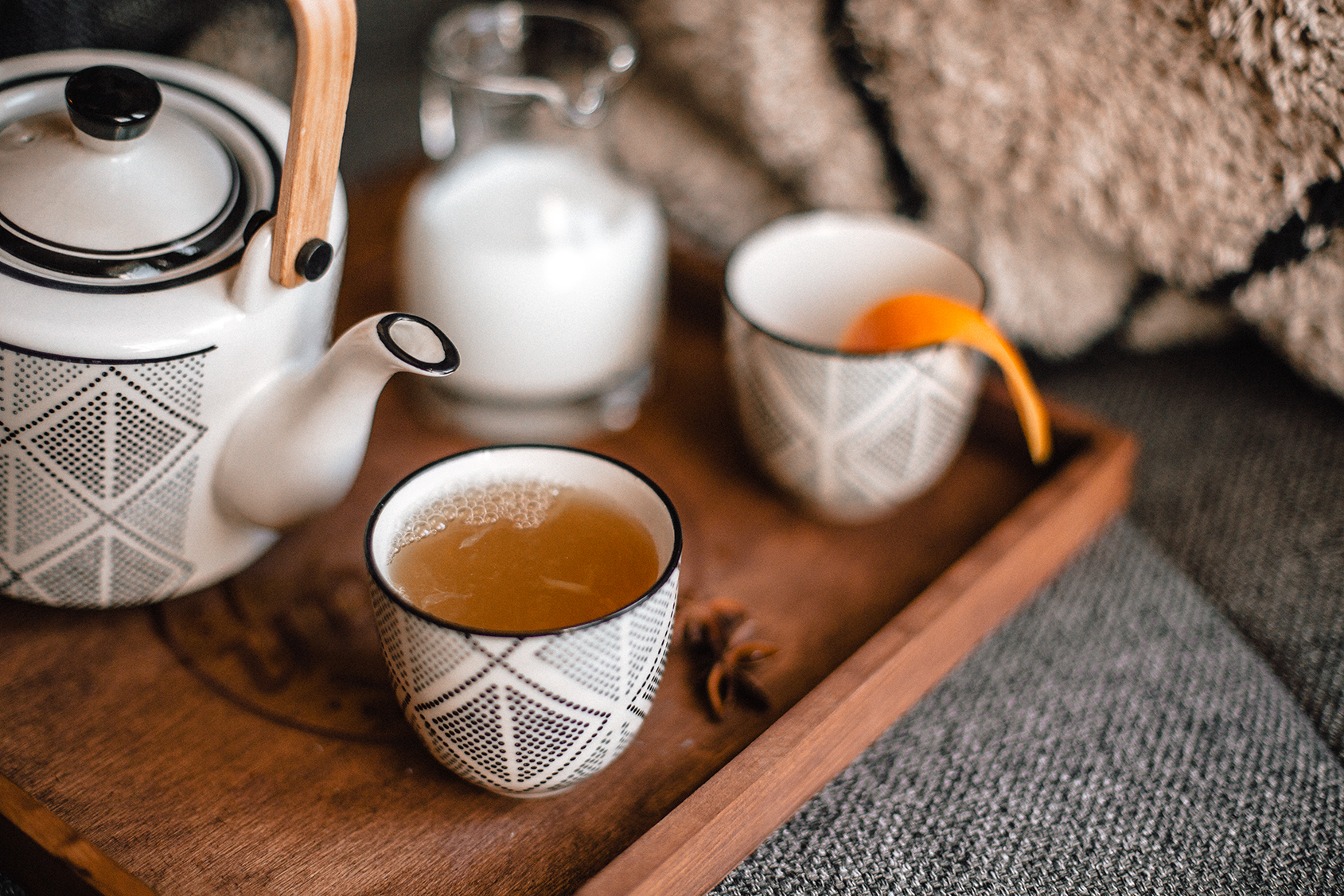 Homemade Spring Orange Lemon Chai tea recipe with the perfect tea set from Structube