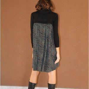 abito in maglia e tessuto in fantasia maculata