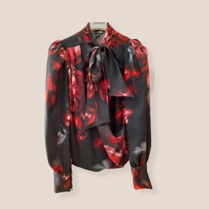camicia con sciarpetta in stampa floreale
