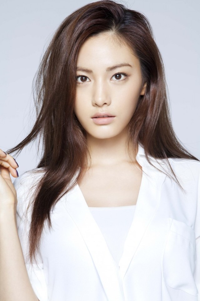 She Is A Kpop Singer Actress And Model She Started Her Career In 2009 She Is A Member Of A Music Band Named After School