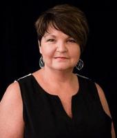Headshot of Lori Tomalty