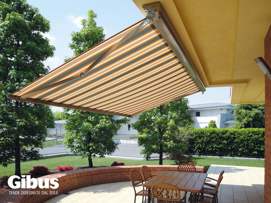 Progettiamo e realizziamo una vasta gamma di tende da sole: Tenda Da Esterno A Bracci O A Caduta Ecco Come Scegliere Tendaggi Di Marco Angeli