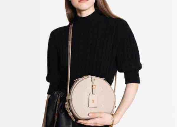 Le sac Boîte Chapeau Souple de Louis Vuitton est désormais disponible en cuir empiècé