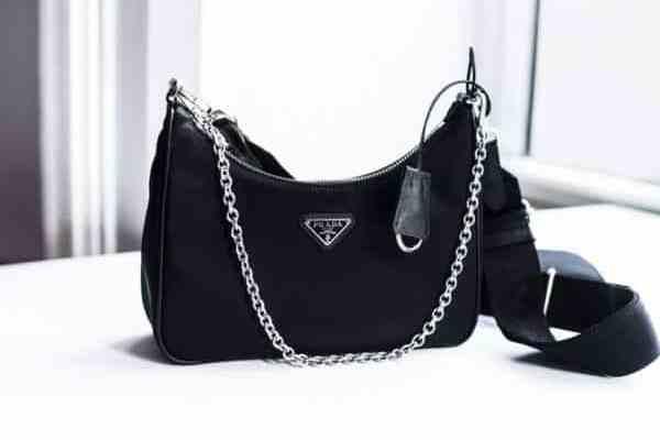 Avis sur la réédition du sac à bandoulière Prada 2005