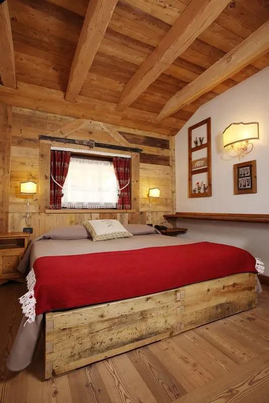 Qui da la bora moena ti proponiamo una vasta scelta di tende per decorare con stile ogni ambiente. Case Di Montagna Tendart