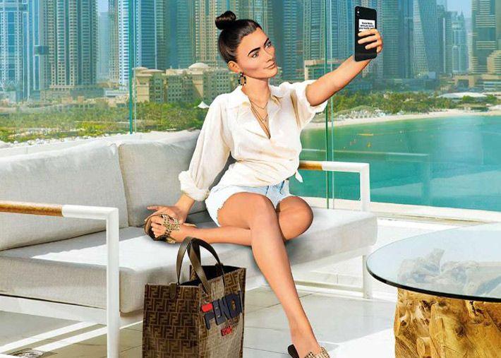 O fenómeno crescente das influencers no Dubai: férias ou trabalho?