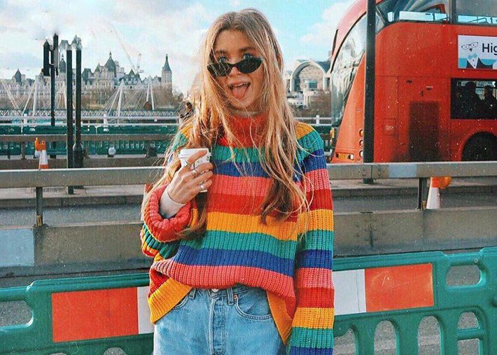 Inverno multicolorido: camisolas e casacos em tendência