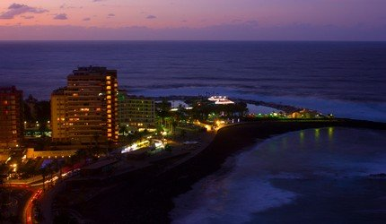 Puerto de la Cruz bei Nacht
