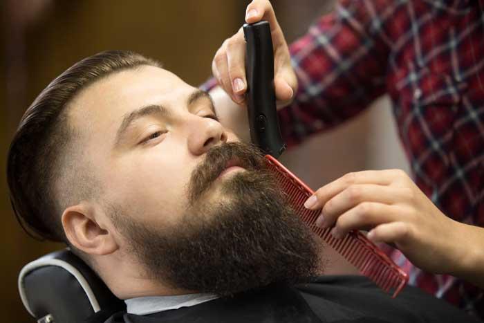 Hacer-crecer-la-barba-–-Consejos-y-trucos---Cortando-la-barba