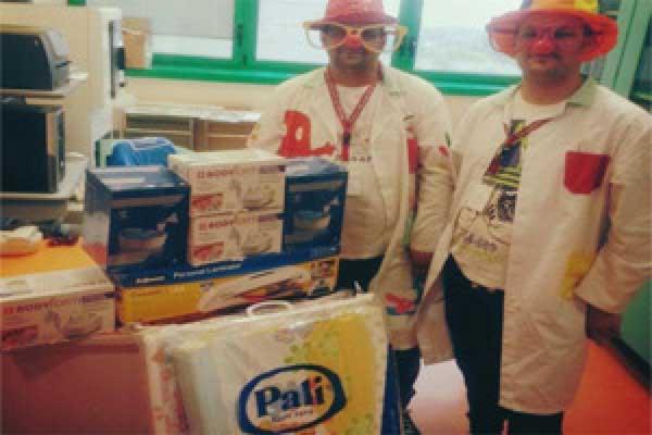 Donazione della Teniamoci per Mano Onlus all'Ospedale Maggiore (BO)