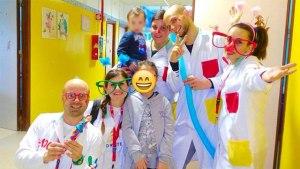 I volontari a Trapani in una giornata di Clownterapia