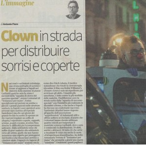 Articolo Clown in strada per distribuire sorrisi e coperte