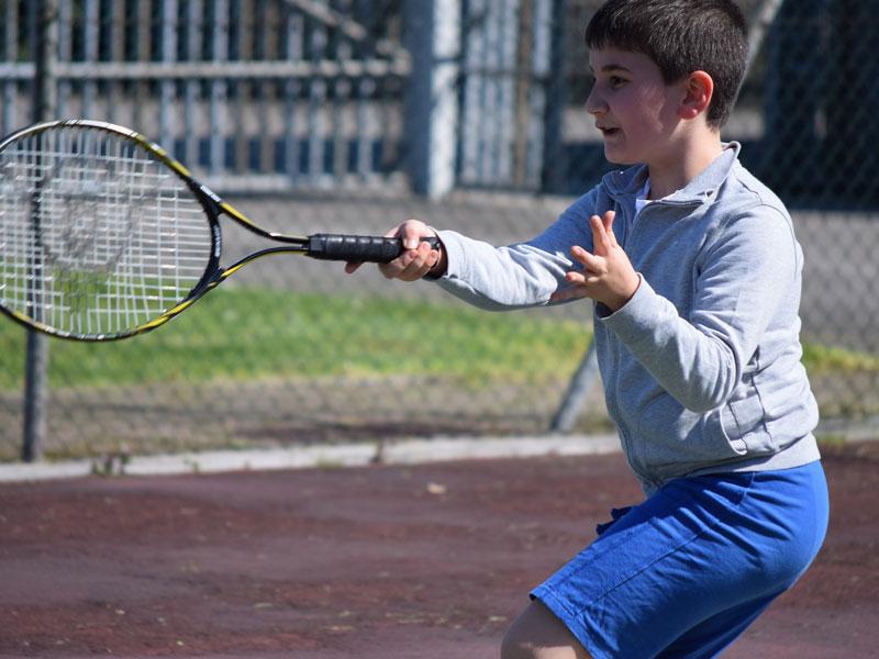Clases de tenis con alumnos de tu nivel cerca de Benahavís