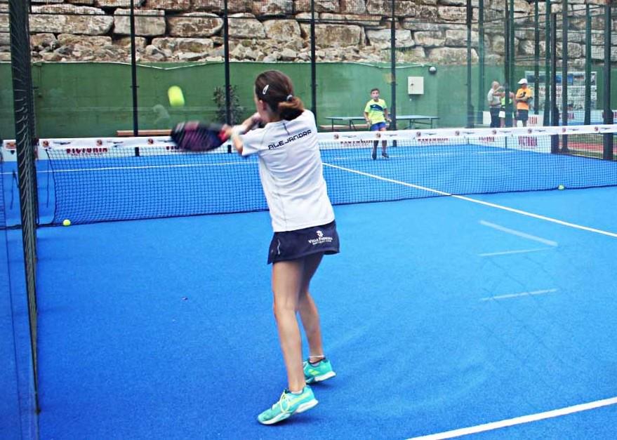 Aprende a jugar al tenis con un entrenador cerca de Marbella