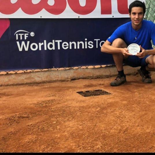 Luis Felipe Sandoval é campeão do ITF Junior de Medellín