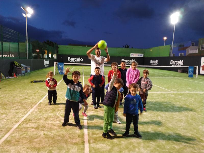 Mensaje de ánimo de l@s alumn@s de las Clases de Tenis del CT Sibora