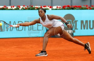 Sloane Stephens of the USA in action against Kiki Bertens of the Netherlands during their semi final match at the Mutua Madrid Open tennis tournament in Madrid, Spain, 10 May 2019. EPA-EFE/KIKO HUESCA