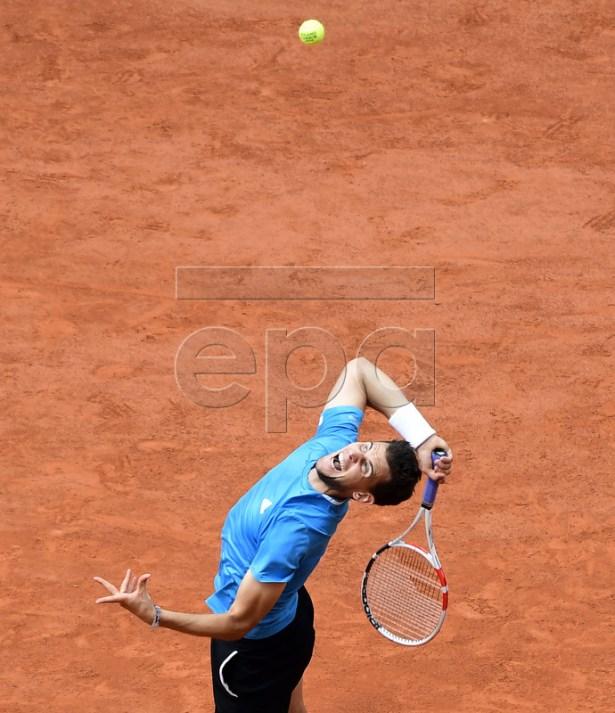 Dominic Thiem of Austria plays Rafael Nadal of Spain during their men?s final match during the French Open tennis tournament at Roland Garros in Paris, France, 09 June 2019. EPA-EFE/CAROLINE BLUMBERG