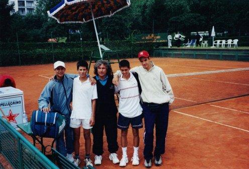 La squadra Under 16 della Serbia a Torino nel 2001: Bozoljiac, Djokovic, il coach Bata, Mihailovic, Zivojinovic