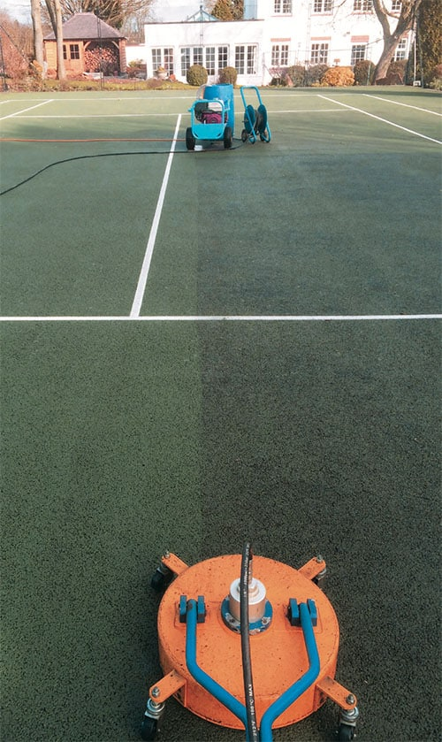 Before and after - cleaning a hard tennis court by EnTC