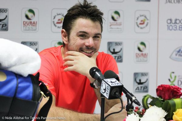 226 Wawrinka  smiles in press