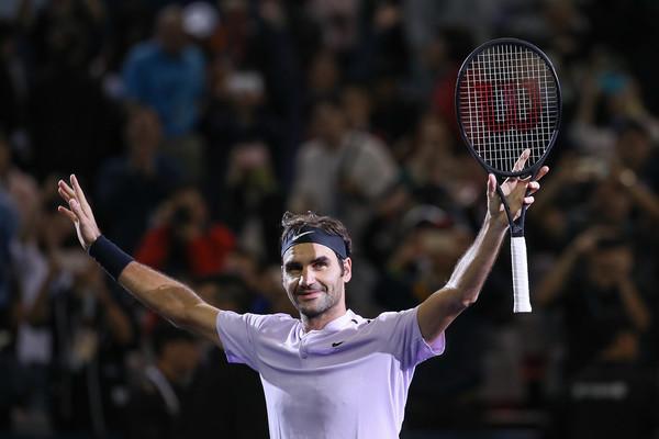 Roger+Federer+2017+ATP+1000+Shanghai+Rolex+4-YuCTN2JCTl