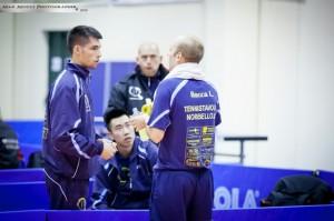 Il tecnico Mauro Locci discute con Luigi Rocca (Max Mocci Fotografia)