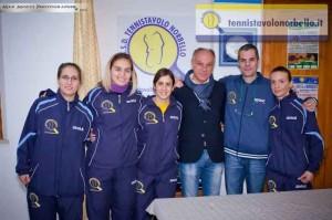 Il presidente Simone Carrucciu con fan e atlete (Max Mocci Fotografia)