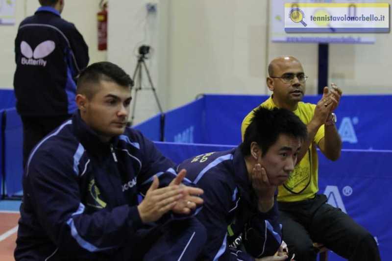 Il tecnico Provas Mondal con Lu Leyi e Vilbene Mocci (Foto Gianluca Piu)