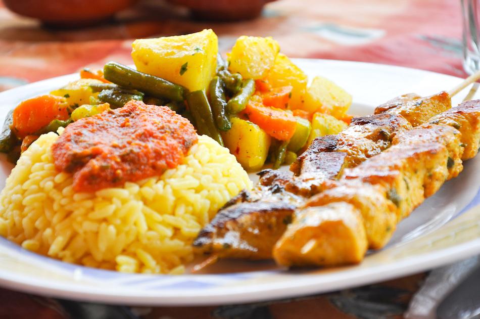 Brochettes de poulet riz au safran  Taliouline