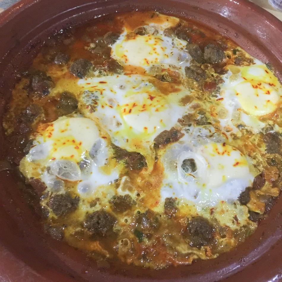 Tajine oeufs et boulettes auberge du safran