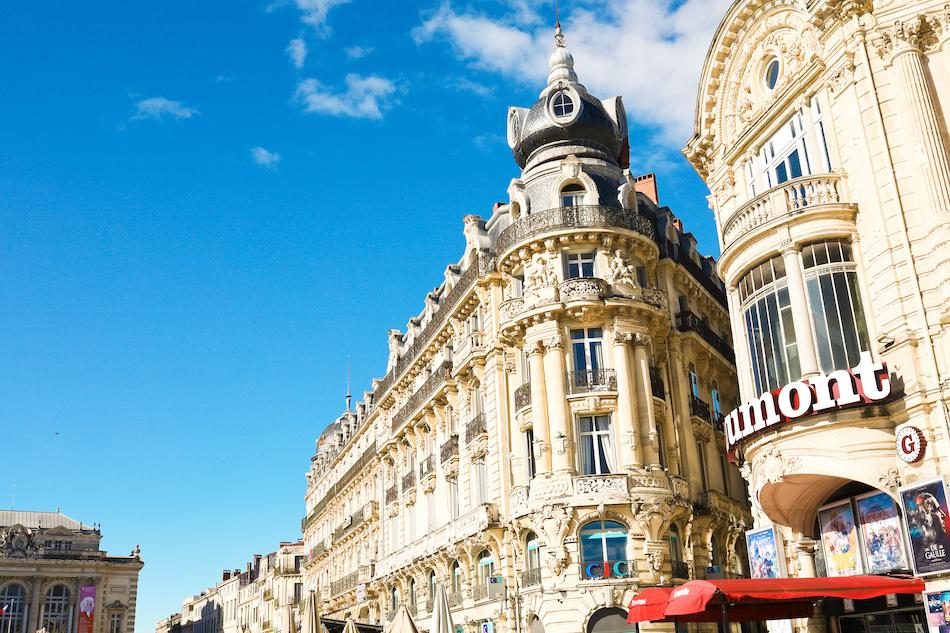 L'immeuble appelé le Scaphandrier place de la comédie Montpellier