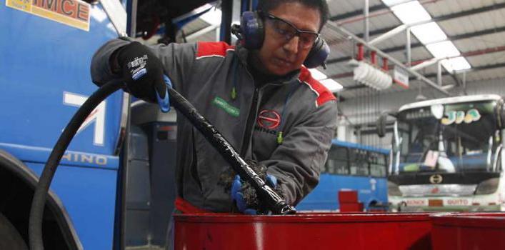 Teojama Comercial contribuye al ambiente con el reciclaje de aceite y filtros de aceite