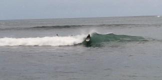 kisah-joni-menghalau-narkoba-dengan-surfing