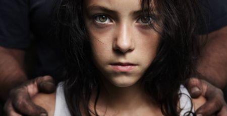 Toplum Cinsel Sapkınlıklar ve Ensest İlişkiler Konusunda Tutarlı Davranmalıdır...