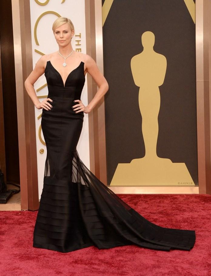 charlize theron #oscars #oscarsredcarpet kırmızı halı dior couture