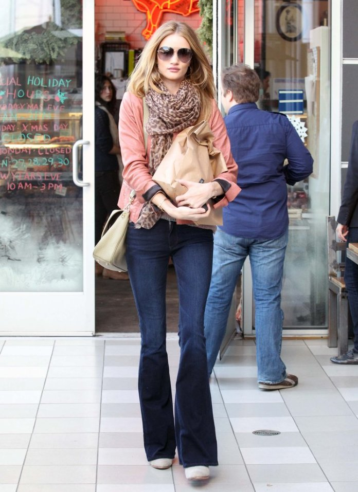 Rosie-Huntington-Whiteley-perfected-off-duty-vibe-pair